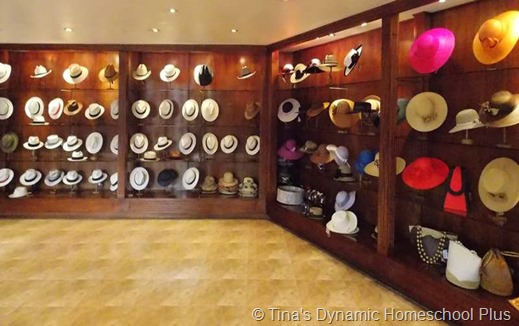 selling hats thumb 5 Things I Love About Cuenca Ecuador