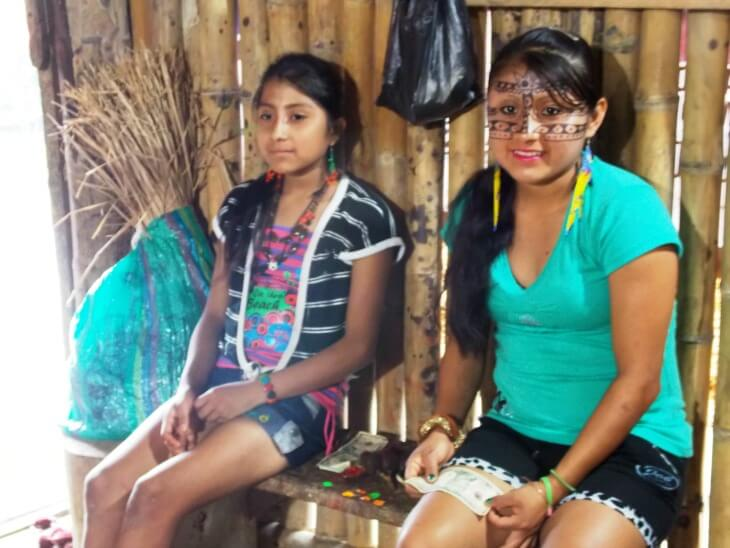 16 Kichwa girls