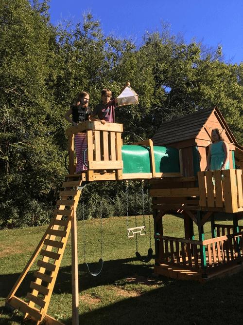 Launching a Da Vinci Parachute